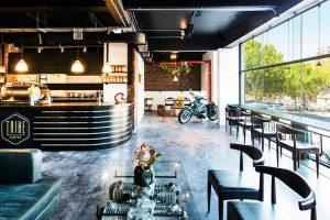 BMW Motorrad Shop mit Tribe coffee filial